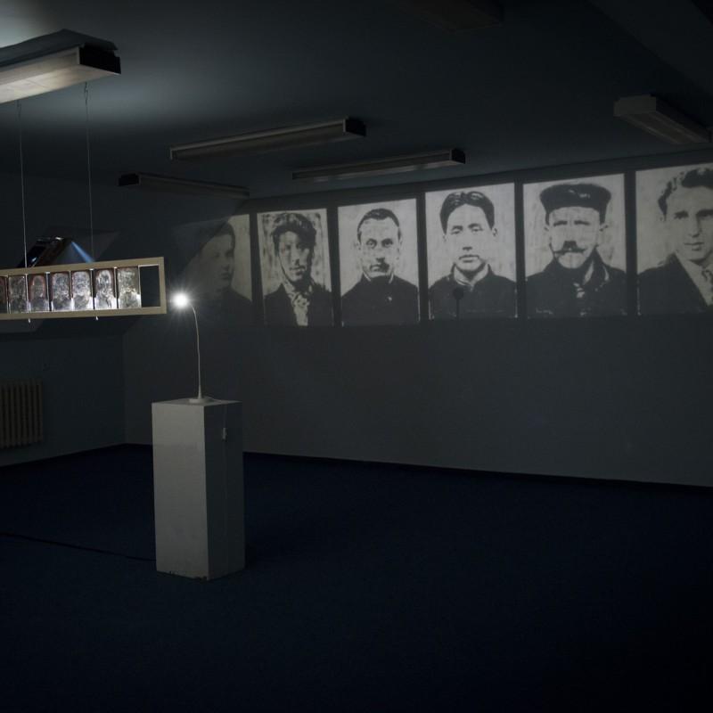 Diktátori (z výstavy Straty a nálezy, Artotéka, Bratislava 2013)