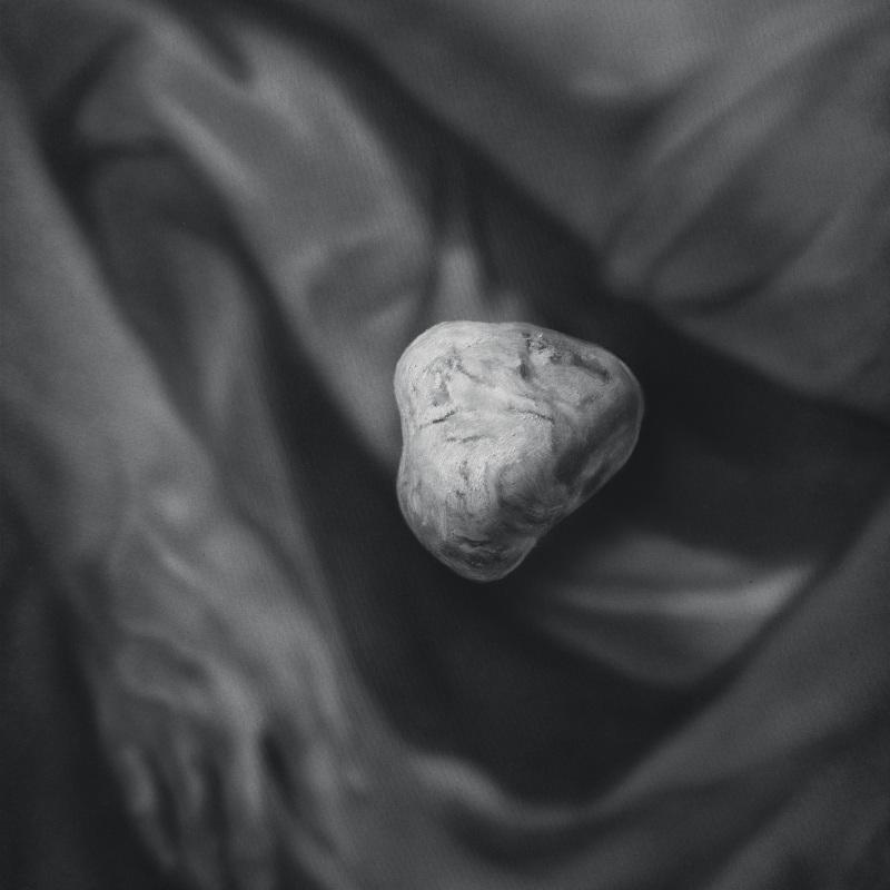 Kamene 12, 50x40cm, olej a akryl na plátne, 2020